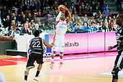 DESCRIZIONE : Varese Lega A 2013-14 Cimberio Varese Granarolo Virtus Bologna<br /> GIOCATORE : Keydren Clark<br /> CATEGORIA : Tiro Three Points<br /> SQUADRA : Cimberio Varese<br /> EVENTO : Campionato Lega A 2013-2014<br /> GARA : Cimberio Varese Granarolo Virtus Bologna<br /> DATA : 26/12/2013<br /> SPORT : Pallacanestro <br /> AUTORE : Agenzia Ciamillo-Castoria/G.Cottini<br /> Galleria : Lega Basket A 2013-2014  <br /> Fotonotizia : Varese Lega A 2013-14 Cimberio Varese Granarolo Virtus Bologna<br /> Predefinita :