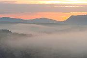 Congonhas_MG, Brasil...Neblina na cidade de Congonhas...The fog in the Congonhas town...Foto: LEO DRUMOND / NITRO...