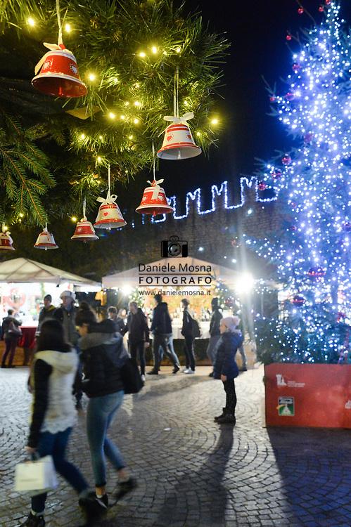 Mercatini di Natale Trento 26 novembre 2018 © foto Daniele Mosna Mercatini di Natale Trento in piazza Fiera, Trento 26 novembre 2018 © foto Daniele Mosna