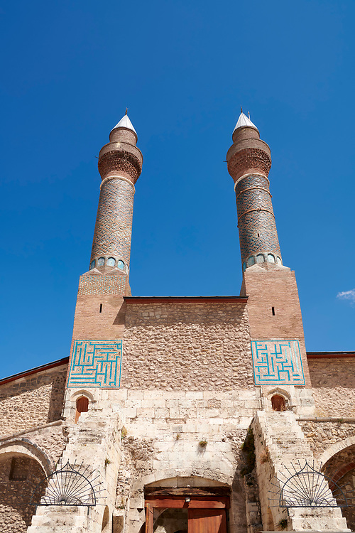 The Gökmedrese or Gök Medrese built in 1271 by Vizier Ata Faahreddin Ali. Above the crown door are two minarets with a bow and single cone decorated with glazed bricks and tiles. Sivas, Turkey .<br /> <br /> If you prefer to buy from our ALAMY PHOTO LIBRARY  Collection visit : https://www.alamy.com/portfolio/paul-williams-funkystock/sivas-turkey.html<br /> <br /> Visit our TURKEY PHOTO COLLECTIONS for more photos to download or buy as wall art prints https://funkystock.photoshelter.com/gallery-collection/3f-Pictures-of-Turkey-Turkey-Photos-Images-Fotos/C0000U.hJWkZxAbg