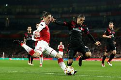 Hector Bellerin of Arsenal takes on Ricardo Rodriguez of AC Milan - Mandatory by-line: Robbie Stephenson/JMP - 15/03/2018 - FOOTBALL - Emirates Stadium - London, England - Arsenal v AC Milan - UEFA Europa League Round of 16, Second leg