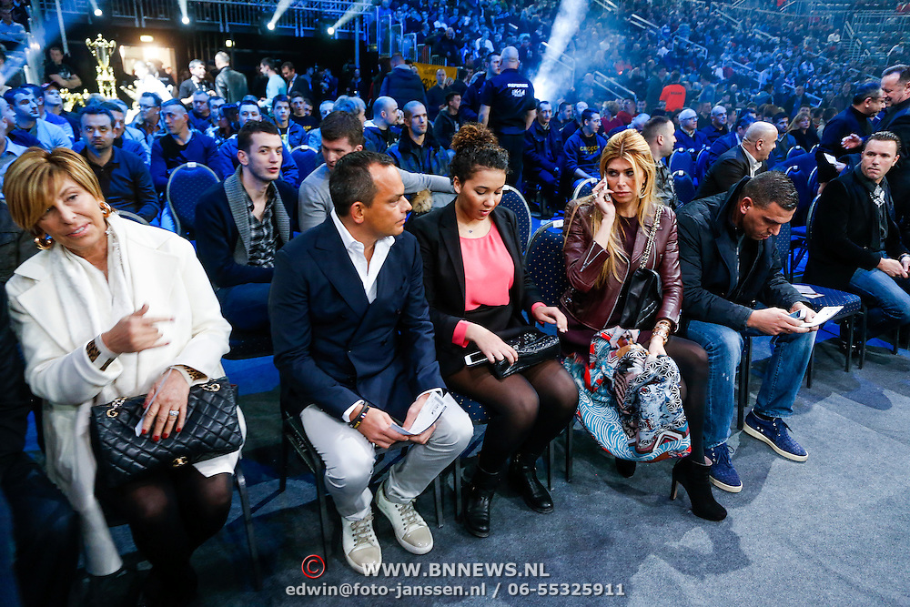 CRO/Zagreb/20130315- K1 WGP Finale Zagreb, moeder Branca Lokas, Robert halewijn, dochter Joelle, Estelle Cruijff en een vriend