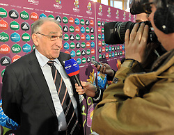 (L) JEAN PIERRE ESCALETTES PRESIDENT OF FRANCE FOOTBALL FEDERATION WITH FRENCH JOURNALISTS AFTER THE UEFA EURO 2012 QUALIFYING DRAW IN PALACE SCIENCE AND CULTURE IN WARSAW, POLAND..THE 2012 EUROPEAN SOCCER CHAMPIONSHIP WILL BE HOSTED BY POLAND AND UKRAINE...WARSAW, POLAND , FEBRUARY 07, 2010..( PHOTO BY ADAM NURKIEWICZ / MEDIASPORT / SPORTIDA.COM ).