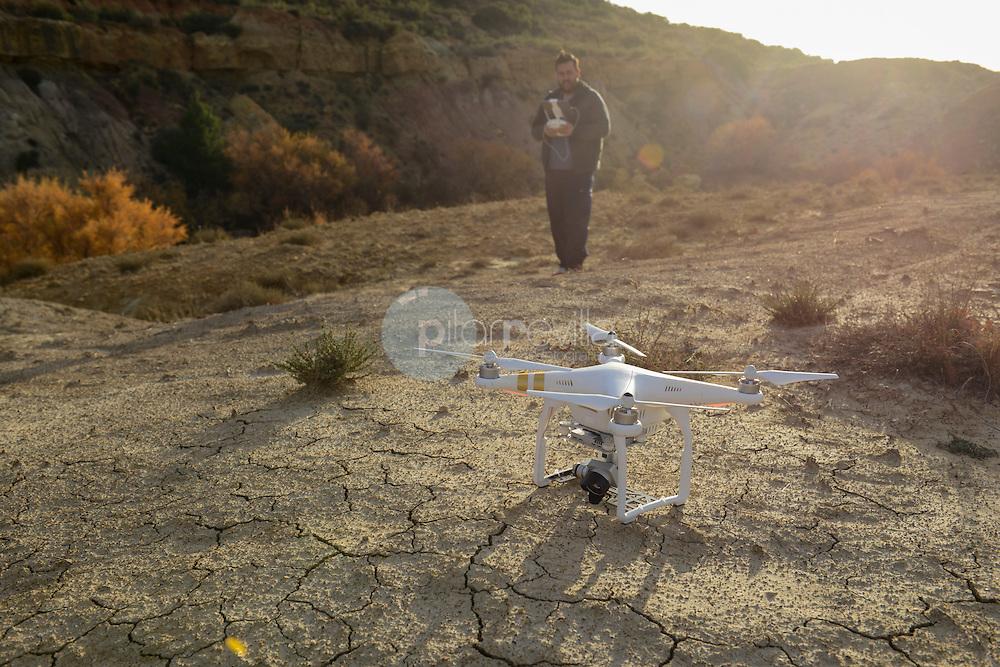 Dron. Montaje y manejo de un drone para fotografiar ©Antonio Real Hurtado / PILAR REVILLA