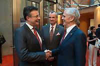 "25 MAY 2012, BERLIN/GERMANY:<br /> Hubert Weber (L), President Coffee, Kraft Foods Europe, Philip Murphy (M), Botschafter der U.S.A. in Deutschland, und John Bryson (R), Secretary of Commerce, U.S.A., Global Business Dialogue ""Beyond Uncertain Times: A Growth Agenda"", axica Konferenzzentrum<br /> IMAGE: 20120525-02-098"