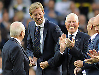 Football - 2016 / 2017 Premier League - Tottenham Hotspur vs. Manchester United<br /> <br /> Ex Tottenham players Peter Crouch and goalkeeper Ray Clemence during the 'Parade of Tottenham players' after the match at White Hart Lane.<br /> <br /> COLORSPORT/ANDREW COWIE