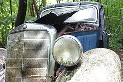 20.01.2016, Autofriedhof, Mettmann, GER, Mettmann Autofriedhof, im Bild Alter Mercedes-Benz verwittert auf einem Autofriedhof // cars on a weather on a car graveyard Autofriedhof in Mettmann, Germany on 2016/01/20. EXPA Pictures © 2016, PhotoCredit: EXPA/ Eibner-Pressefoto/ Deutzmann<br /> <br /> *****ATTENTION - OUT of GER*****