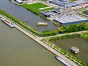 Nederland, Utrecht, Nieuwegein; 14–05-2020; Lekkanaal en Schalkwijkse Wetering. Het Lekkanaal is verbreed, monumentale objecten van de Nieuw Hollandse Waterlinie (NHW) zijn (deels) verplaatst en zichtbaar gemaakt.<br /> Lek channel and Schalkwijkse Wetering. The Lek Canal has been widened, monumental objects of the New Holland Water Line (NHW) have been (partly) moved and made visible.<br /> <br /> luchtfoto (toeslag op standaard tarieven);<br /> aerial photo (additional fee required)<br /> copyright © 2020 foto/photo Siebe Swart