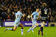 Adam Hastings passes to Pete Horne during the 1872 Challenge Cup, Guinness Pro 14 2018_19 match between Edinburgh Rugby and Glasgow Warriors at BT Murrayfield Stadium, Edinburgh, Scotland on 22 December 2018.