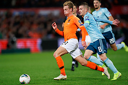 10-10-2019 NED: Netherlands - Northern Ireland, Rotterdam<br /> UEFA Qualifying round ­Group C match between Netherlands and Northern Ireland at De Kuip in Rotterdam / Solo Frenkie de Jong #21 of the Netherlands and assist for 3-1