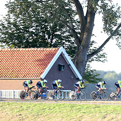 27-09-2016: Wielrennen: Olympia Tour: Hardenberg  <br />HARDENBERG (NED) wielrennen Nederlands oudste wielerkoers ging van start in Hardenberg met een ploegentijdrit. Team Sweden