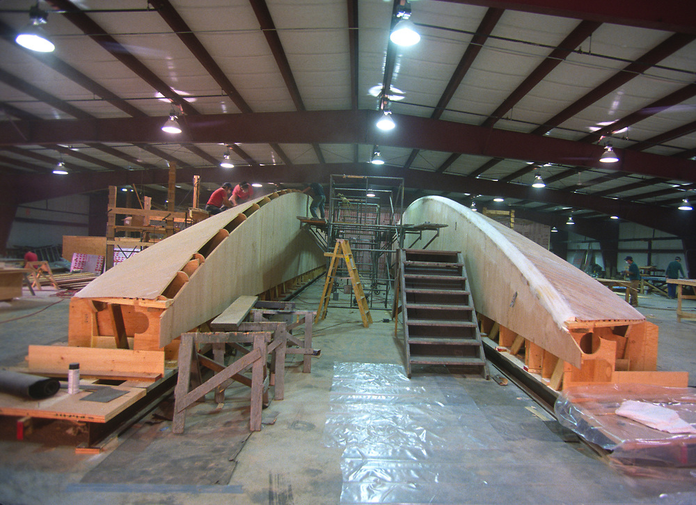 Building hull with special method near Salt Lake City<br /> America's Cup 1992<br /> Winner AMERICA3<br /> San Diego