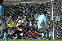 Roma 3/5/2003<br />Lazio - Juventus 0-0<br />Gianluigi Buffon para il calcio di Rigore tirato da Stefano Fiore