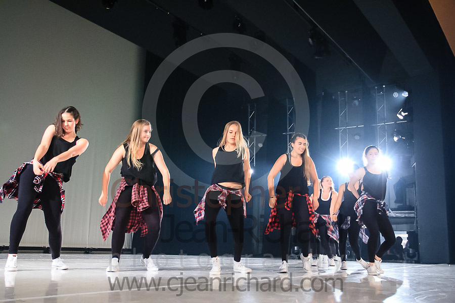 ART: 2015   Colours of Passion: We've Got The Power   Friday Rehearsal -- Week 2<br /> <br /> Sassy Power<br /> <br /> choreography: Jemelle Suyat Navat<br /> 12 - 16 Jahre<br /> <br /> Students and Instructors of Atelier Rainbow Tanzkunst (http://www.art-kunst.ch/) rehearse on the stage of the Schinzenhof for a series of performances in June, 2015.<br /> <br /> Schinzenhof, Alte Landstrasse 24 8810 Horgen Switzerland