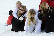 Fotosessie met de koninklijke familie in Lech /// Photoshoot with the Dutch royal family in Lech .<br /> <br /> Op de foto / On the photo: Prinses Mabel met haar dochter Zaria ///// Prinsess Mabel with  Zaria