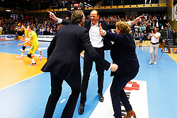 20150426 NED: Eredivisie Landstede Volleybal - Abiant Lycurgus, Zwolle<br />De staf van Landstede Volleybal viert de overwinning en de titel, Redbad Strikwerda, headcoach of Landstede Volleybal <br />©2015-FotoHoogendoorn.nl / Pim Waslander