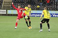 Fotball , 9. desember 2020 , Eliteserien , Srart - Brann <br />  Ole Didrik Blomberg  , Brann<br /> <br /> Kevin Kabran , Start