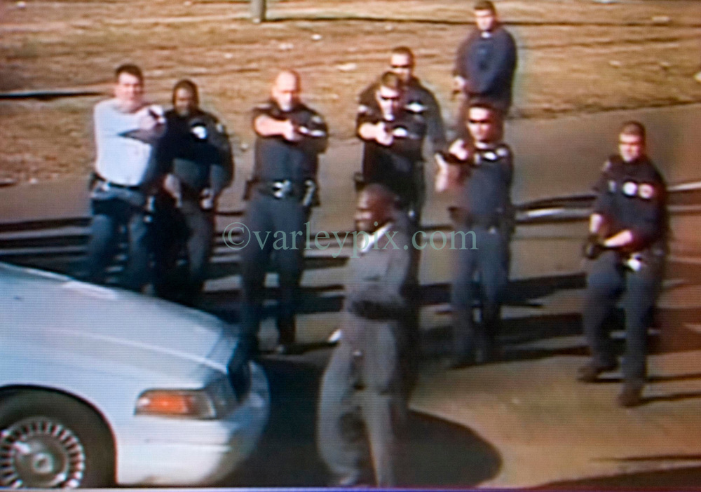 Dec 26th, 2005. Video grab courtesy New Orleans Channel 4 TV. Video showing knife wielding Anthony Hayes, (38 yrs - knife in hand) confronted by New Orleans police officers before he was gunned down on St Charles Avenue.