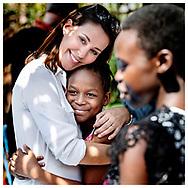 HKH Prinsesse Marie er i Uganda hvor hun som ambassadør for Folkekirkens Nødhjælp besøger mange af deres projekter. Her hilser hun på flygtninge fra Sydsudan