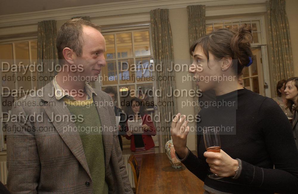 Johnnie Shand Kydd and Anouskha shani<br />CFAR charity evening to celebrate' in the Freud Museum' Freud Museum. Maresfield  Gdns. London 11 April 2002. © Copyright Photograph by Dafydd Jones 66 Stockwell Park Rd. London SW9 0DA Tel 020 7733 0108 www.dafjones.com
