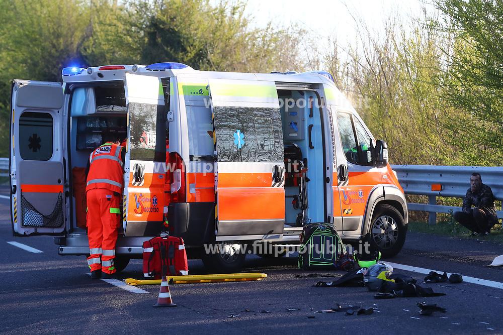 INCIDENTE MORTALE DANIELA MERCATELLI SCONTRO AUTO MOTO AUTOSTRADA A13 FERRARA