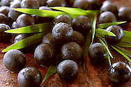 Photos & pictures of the Brazilian acai berries the super fruit anti oxident from the Amazon. Acai berries has been used to help weight loss. Stock-fotos images