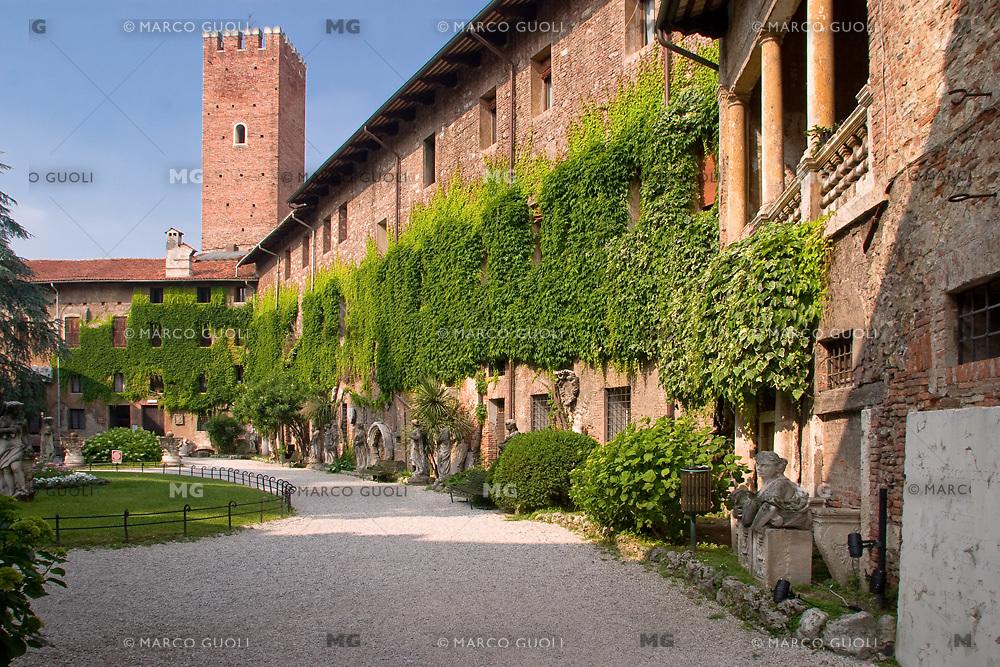 TEATRO OLIMPICO (architetto Andrea Palladio 1580), GIARDINO INTERNO, VICENZA, VENETO, ITALIA