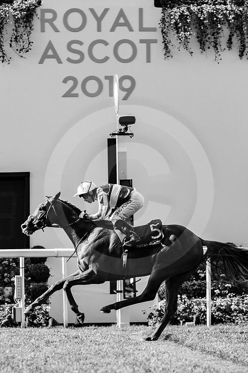 Cleonte (S. De Sousa) wins The Queen Alexandra Stakes at Royal Ascot, 22/06/2019, photo: Zuzanna Lupa