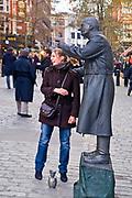 Londyn 2009-03-05<br /> . Covent Garden Market - uliczny mim.
