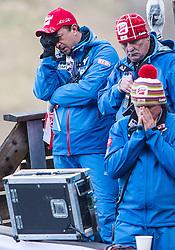 10.01.2014, Kulm, Bad Mitterndorf, AUT, FIS Ski Flug Weltcup, Probedurchgang, im Bild Betroffenheit am Trainerturm nach dem Sturz von Thomas Morgenstern (AUT), vl.: Cheftrainer Alexander Poitner, Ernst Wimmer OesV (AUT) und Co-Trainer Alexander Diess (AUT) // fl.tr. Cheftrainer Alexander Poitner, Ernst Wimmer OesV (AUT) und Co-Trainer Alexander Diess (AUT) rects after the crahs of Thomas Morgenstern (AUT) during the Trial jump of FIS Ski Flying World Cup at the Kulm, Bad Mitterndorf, <br /> Austria on 2014/01/10, EXPA Pictures © 2014, PhotoCredit: EXPA/ JFK