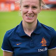 NLD/Velsen/20130701 - Selectie Nederlands Dames voetbal Elftal, materiaalvrouw Marieke van Tuinhoven
