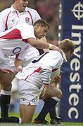Twickenham. Surrey. UK England vs New Zealand, Autumn Internationals.<br /> Jason ROBINSON congratules Jonny WILKINSON.<br /> 09/11/2002<br /> International Rugby England vs New Zealand
