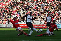 HASSELBANK HAVE AGO WHILST MATT HOLLAND UNABLE TO STOP-BARCLAYS PREMIERSHIP-30th October 04-Charlton v Middlesbrough-PIC BY KIERAN GALVIN / COLORSPORT