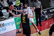 DESCRIZIONE : Varese FIBA Eurocup 2015-16 Openjobmetis Varese Telenet Ostevia Ostende<br /> GIOCATORE : Daniele Cavaliero<br /> CATEGORIA : Passaggio<br /> SQUADRA : Openjobmetis Varese<br /> EVENTO : FIBA Eurocup 2015-16<br /> GARA : Openjobmetis Varese - Telenet Ostevia Ostende<br /> DATA : 28/10/2015<br /> SPORT : Pallacanestro<br /> AUTORE : Agenzia Ciamillo-Castoria/M.Ozbot<br /> Galleria : FIBA Eurocup 2015-16 <br /> Fotonotizia: Varese FIBA Eurocup 2015-16 Openjobmetis Varese - Telenet Ostevia Ostende