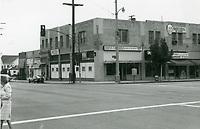 1974 Ross Sparks liquor store on the S/E corner of Larchmont Blvd. & Beverly Blvd.