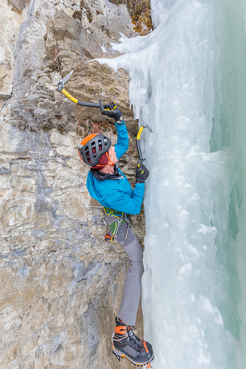 Marcus Donaldson climbing Superfly, M8 behind Ramshorn in Pilot Creek, Wyoming