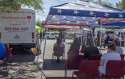 October 3, 2017 - Las Vegas, Nevada, United States - People wait to give blood to victims of mass shooting in Las Vegas, Nevada on October 3, 2017 after a gunman killed 58 people and wounded more than 500 others, before taking his own life, when he opened fire from a hotel on a country music festival. Police said the gunman, a 64-year-old local resident named as Stephen Paddock, had been killed after a SWAT team responded to reports of multiple gunfire from the 32nd floor of the Mandalay Bay, a hotel-casino next to the concert venue. (Credit Image: © Emily Molli/NurPhoto via ZUMA Press)