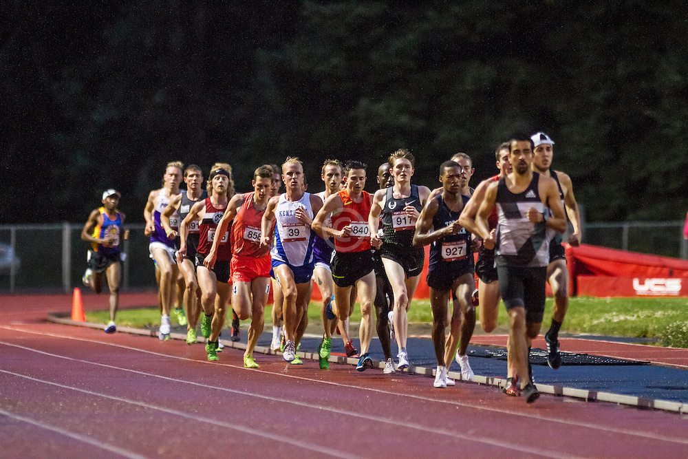 pack of runners with Jenkins, Eric Nike Oregon Project  Men's 5,000m  Run