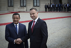 April 24, 2018 - Warsaw, Poland - Polish president Andrzej Duda and his wife welcome the president of Ehtiopia Mulata Teshome and his wife Meaza Abraham at the Presidential Palace in Warsaw, Poland on April 24, 2018. Ethiopia and Poland signed an agreement with intentions to intensify trade relations between the two countries. (Credit Image: © Jaap Arriens/NurPhoto via ZUMA Press)
