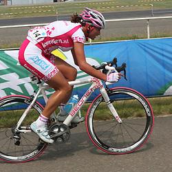 Sportfoto archief 2006-2010<br /> 2009<br /> Nederlands kampioenschap weg in Landgraaf-Heerlen, Chantal Blaak in achtervolging op Marianne Vos