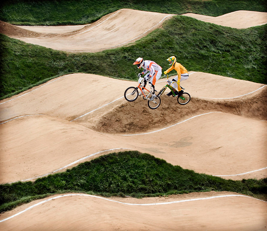 China, Beijing, 20-08-2008.<br /> Olympische Spelen.<br /> BMX, Mannen.<br /> De nederlander Rob van den Wildenberg ( voor) in aktie.<br /> Foto: Klaas Jan van der Weij