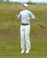 Golf, 11. juni 2005, Sweden's Louise Stahle jumps to view her approach shot at the  13th in her semi final against Maria Hernandez of Spain