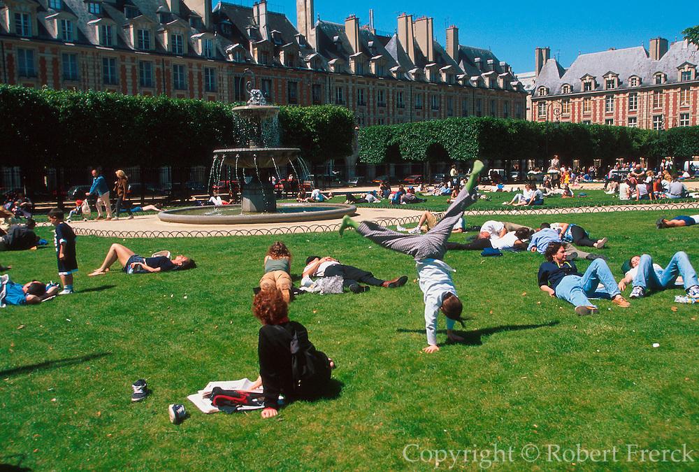 FRANCE, PARIS, PLACE DES VOSGES Oldest and perhaps most beautiful square in city, c1612 by Metezeau, newly restored historic district