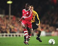 Sam Kuffour (Bayern Munich), Arsenal v Bayern Munich, Champions League, 5/12/2000. Credit: Colorsport.
