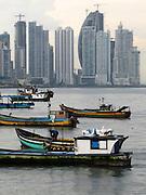 Barcas en Casco Viejo / Ciudad de Panamá.<br /> <br /> Edición de 3   Víctor Santamaría.