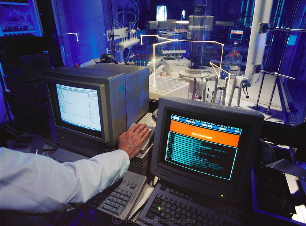 Chiron Therapeutics. Robotic Synthesizer. Emeryville, California. [1995]