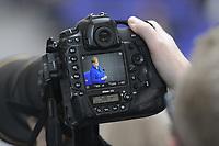 DEU, Deutschland, Germany, Berlin, 13.05.2020: Bundeskanzlerin Dr. Angela Merkel (CDU) bei einer Plenarsitzung im Deutschen Bundestag auf dem Display einer Kamera eines Fotografen. In der heutigen Fragestunde und Regierungsbefragung beantwort die Kanzlerin Fragen der Abgeordneten.