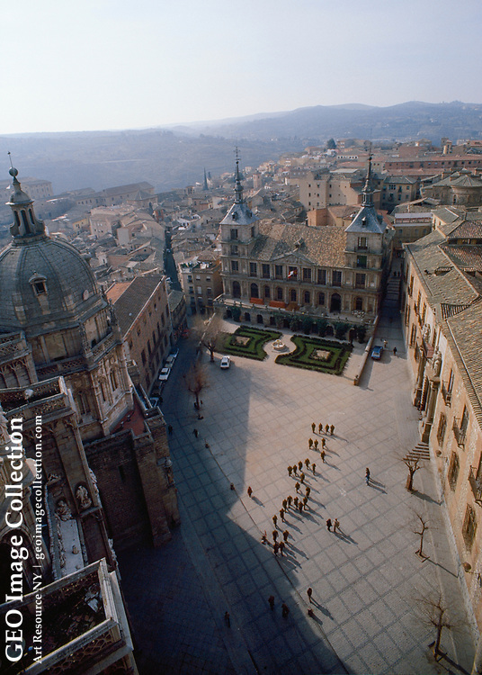 View from above of Toledo Cathedral and Ayuntamiento Square.