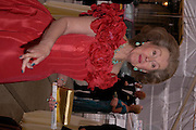 Raine Spencer . Fundraising Ball at the Royal academy. Piccadilly. 20 June 2005. ONE TIME USE ONLY - DO NOT ARCHIVE  © Copyright Photograph by Dafydd Jones 66 Stockwell Park Rd. London SW9 0DA Tel 020 7733 0108 www.dafjones.com
