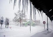 Feb 10,2010 - Herndon, Va USA -through the blizzard conditions in historic Herndon, Virginia on Wednesday.(Credit Image: ©Pete Marovich/ZUMA Press)